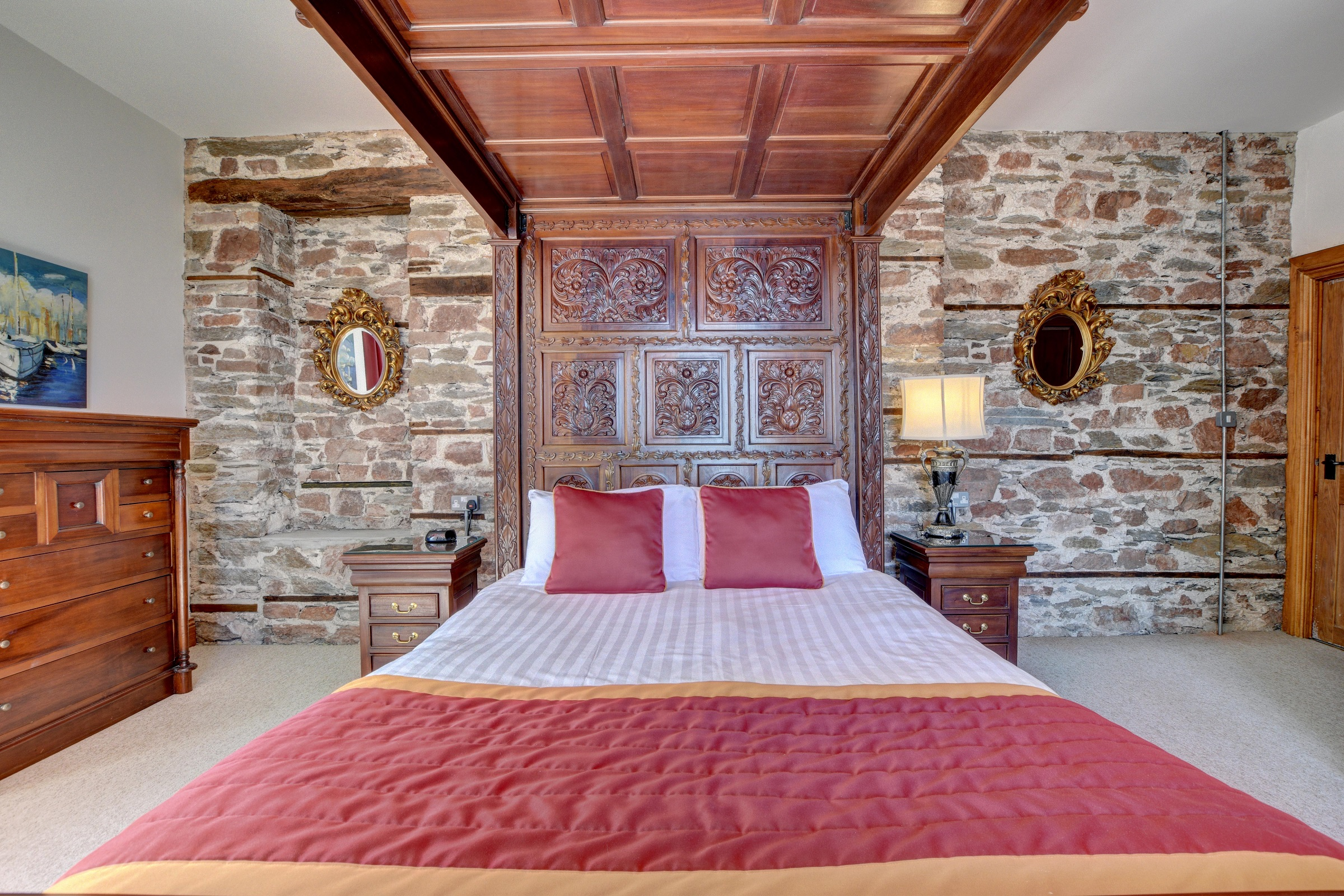 Baronets-Quarters-Master-Bedroom-with-Magnificent-seaview
